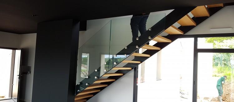 Escalier métal marche bois