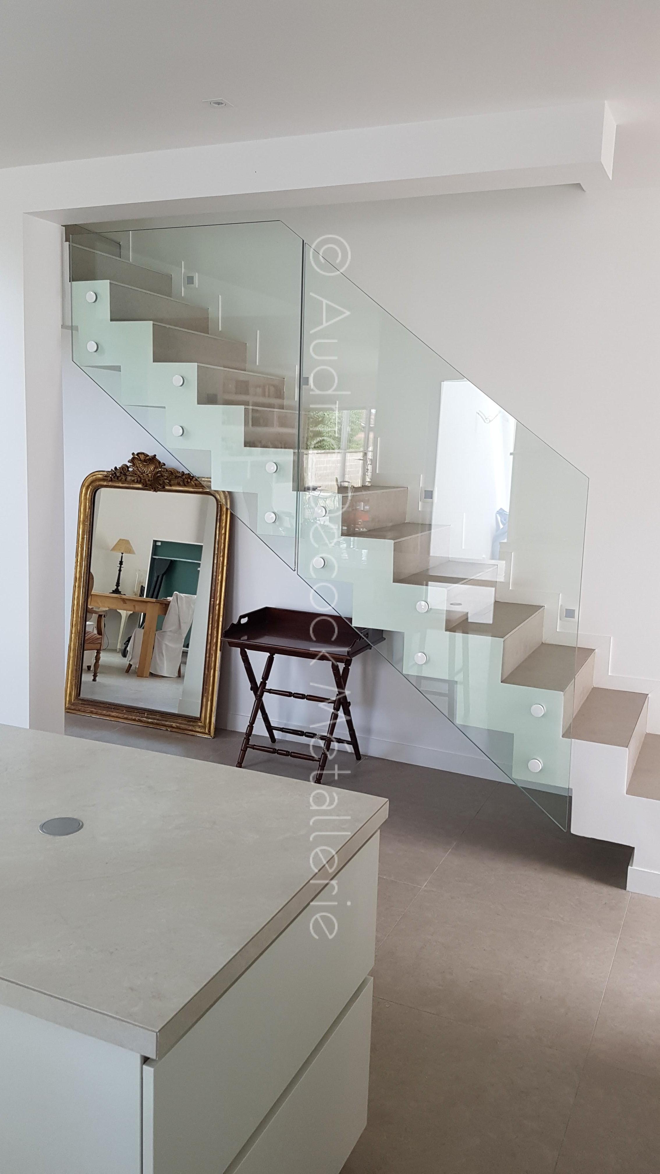 Garde-corps vitré pour escalier