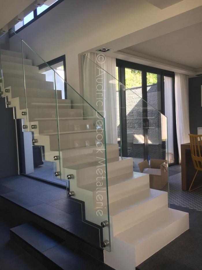 garde-corps-escalier-beton-verre-geneve