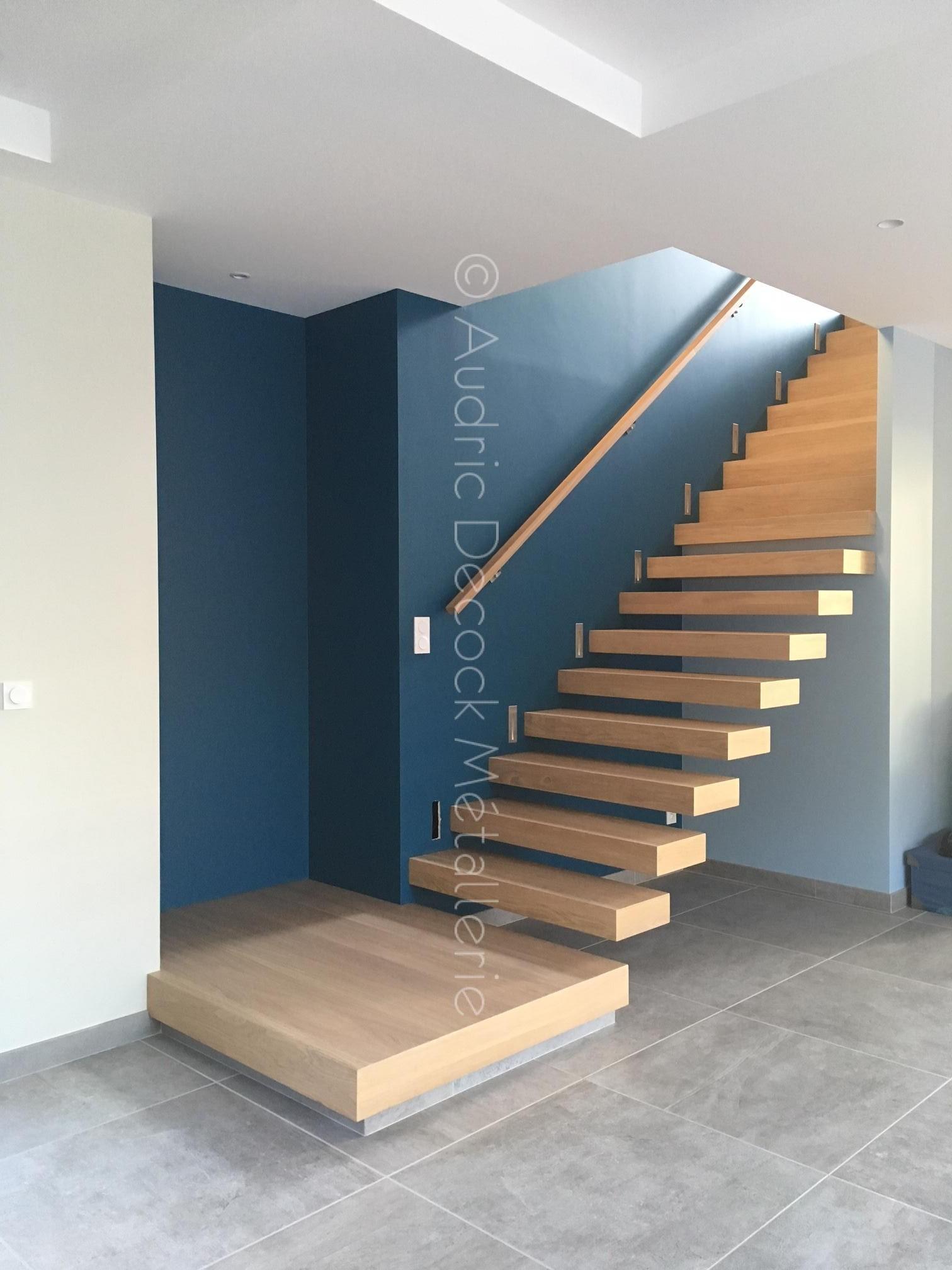 Escalier caissonné chêne