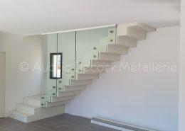 Cloison en verre pour un escalier à Cailloux-sur-Fontaines