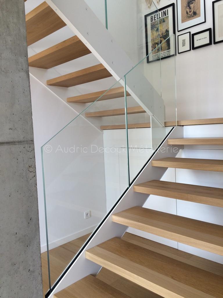 escalier m tal avec palier et garde corps m tallerie lyon verri re sur mesure garde corps. Black Bedroom Furniture Sets. Home Design Ideas