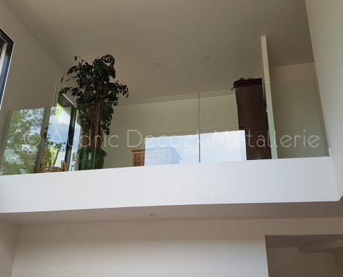 Garde-corps en verre et escalier design