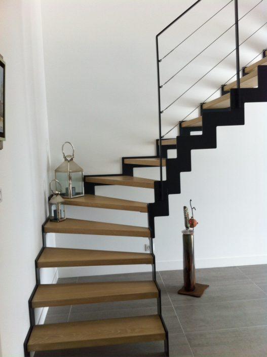 escalier métallique en crémaillère