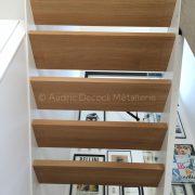 Escalier contemporain marche en bois et gardes corps à Lyon