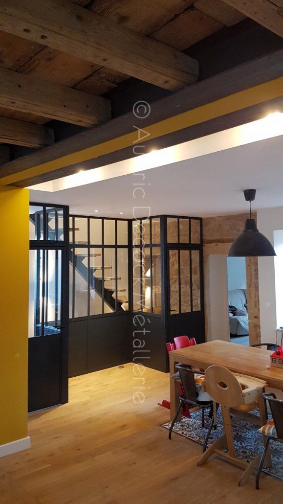 verri re et escalier limon central m tallerie lyon verri re sur mesure garde corps. Black Bedroom Furniture Sets. Home Design Ideas